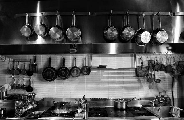 グランメゾン東京厨房